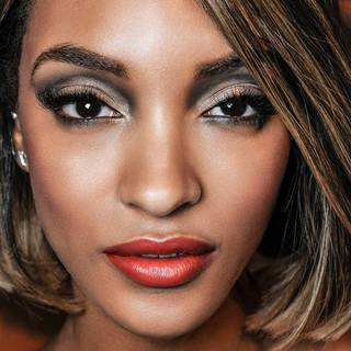 cream-eyeliner-colossal-cateye-jourdan-dunn-1x1