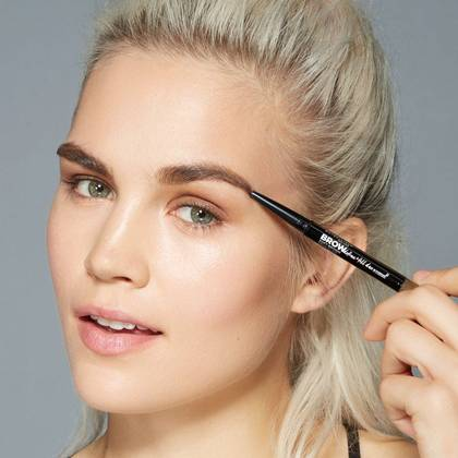 maybelline-brow-definefillduo-application-1x1