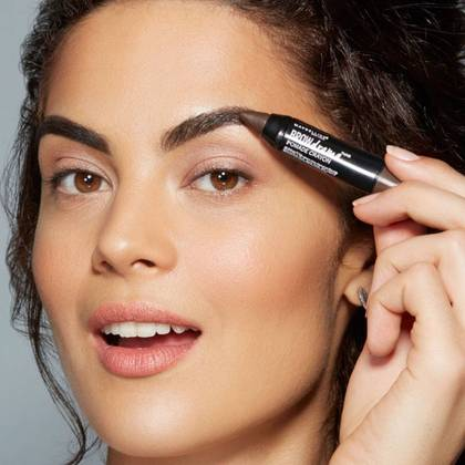 maybelline-brow-drama-pomade-crayon-application-1x1