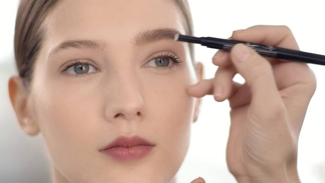 Get The Perfect Eyebrows With Maybelline Brow Play Studio Maybelline