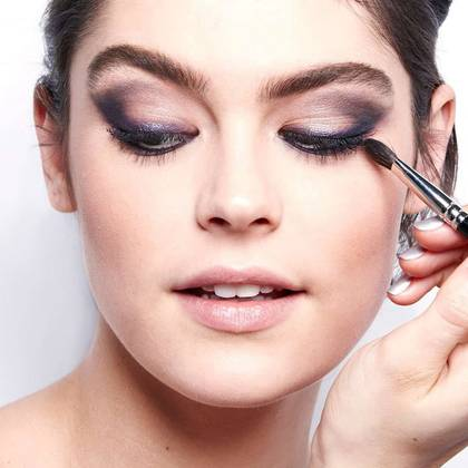 eyeshadow-tutorial-how-to-smoky-eye-step1