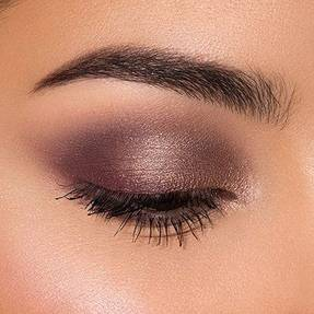 How To Apply Eyeshadow Step By Step For The Best Eye Looks