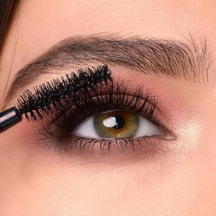 maybelline-total-temptation-mascara-macro-1x1