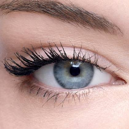 maybelline-falsies-push-up-angel-mascara-flaunt-the-wing-effect-1x1-2