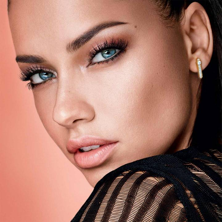 maybelle-total-temptation-emily-didonato-beauty-look-1x1