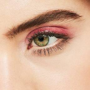 Maybelline-Eyes-Glossy-Lids-Pathing-Switcher