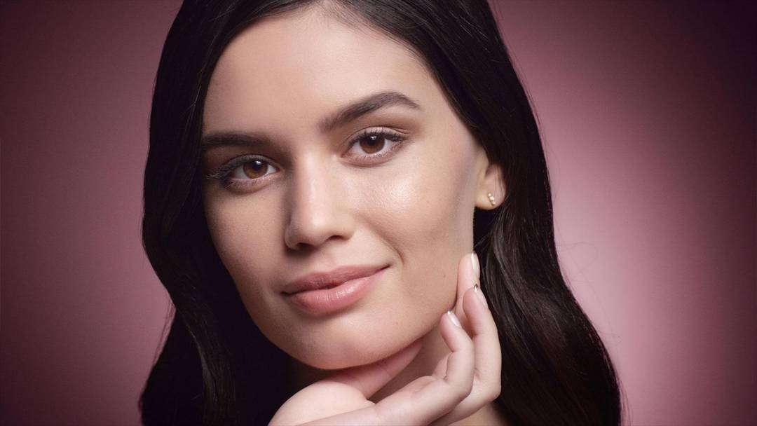 Best Foundation For Dry Skin - Makeup