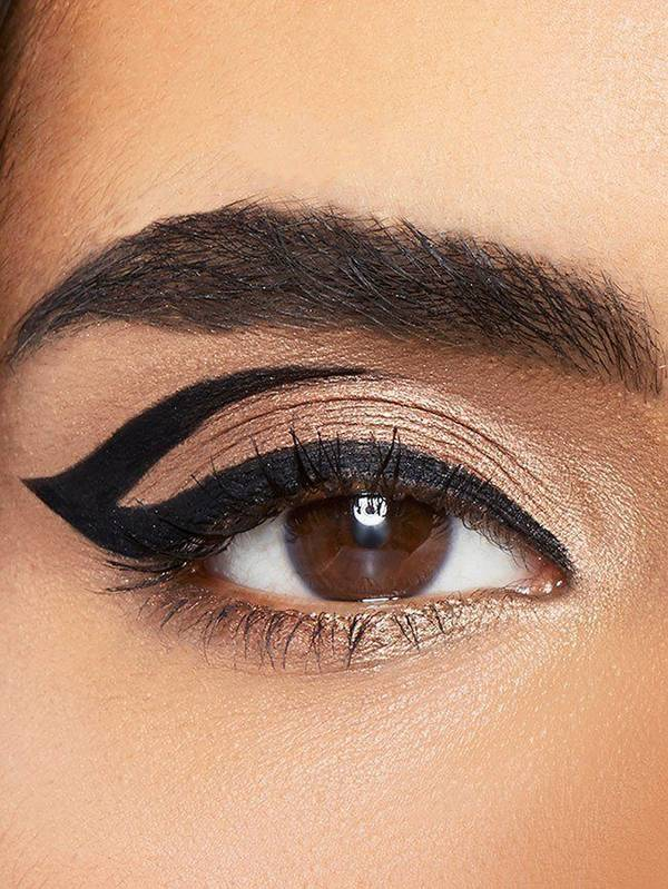 maybelline-eyeliner-gallery-graphic-arrow-look-3x4