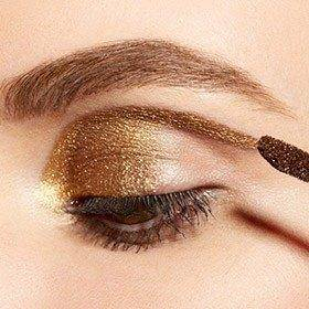 learn how to apply eyeshadow