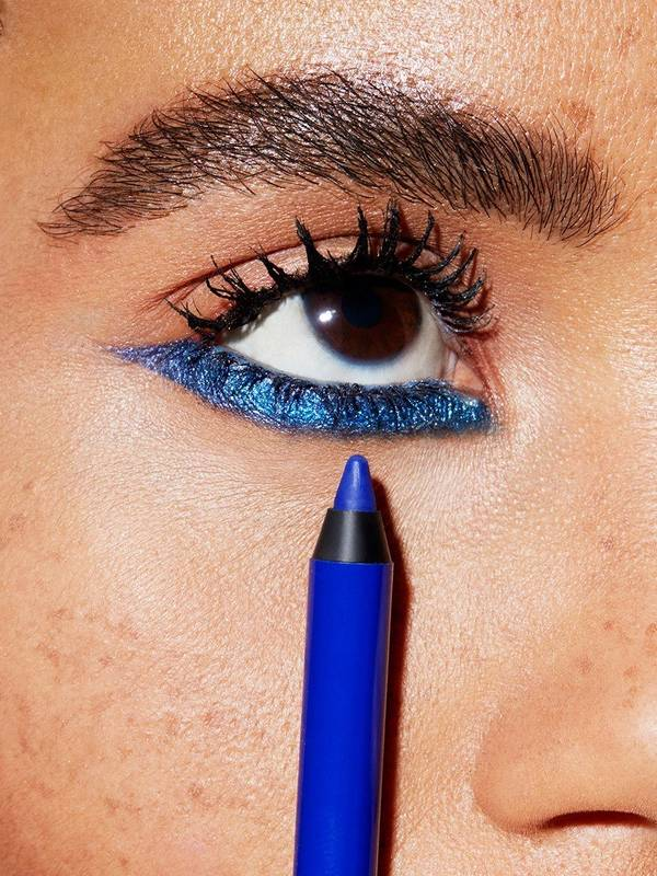 maybelline-mascara-spidereffect-edgy-blue-liner-tutorial-step2-3x4