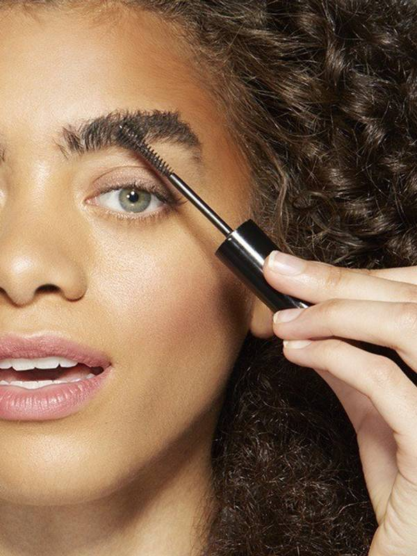 How To Sculpt Eyebrows with Brow Drama Sculpting Mascara ...