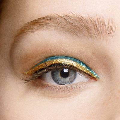 Maybelline-Eyes-Master-Precise-Ink-Metallic-Eyeliner-Final-Look-Macro-1x1