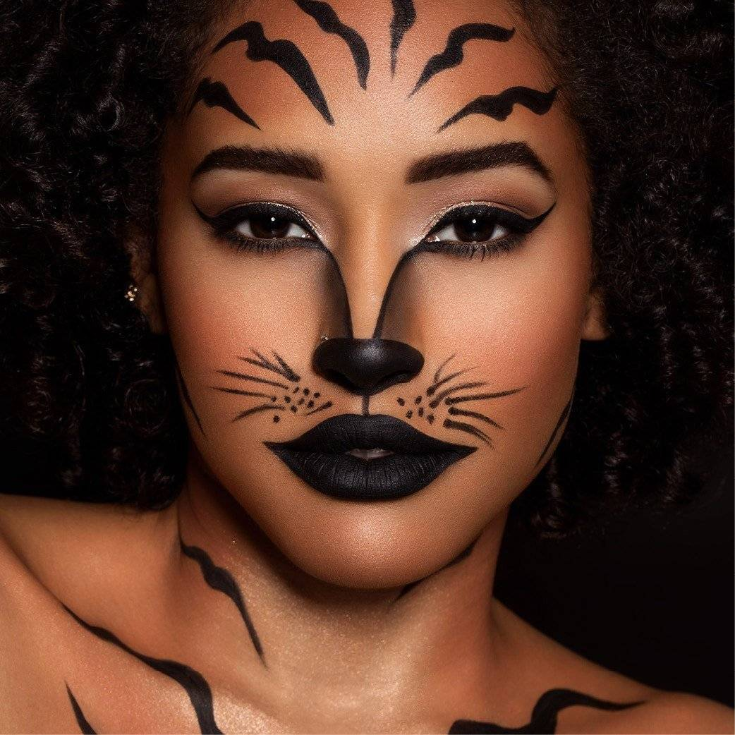 bottomright-halloween-makeup-tiger-1x1