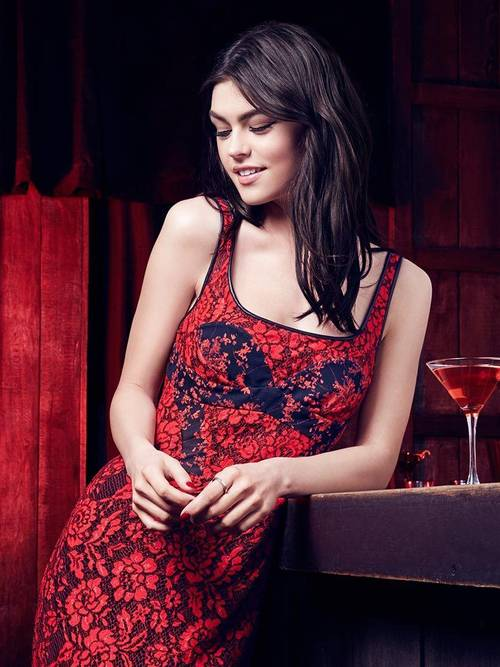 Maybelline-Holiday-Party-Makeup-Red-Dress-Fashion
