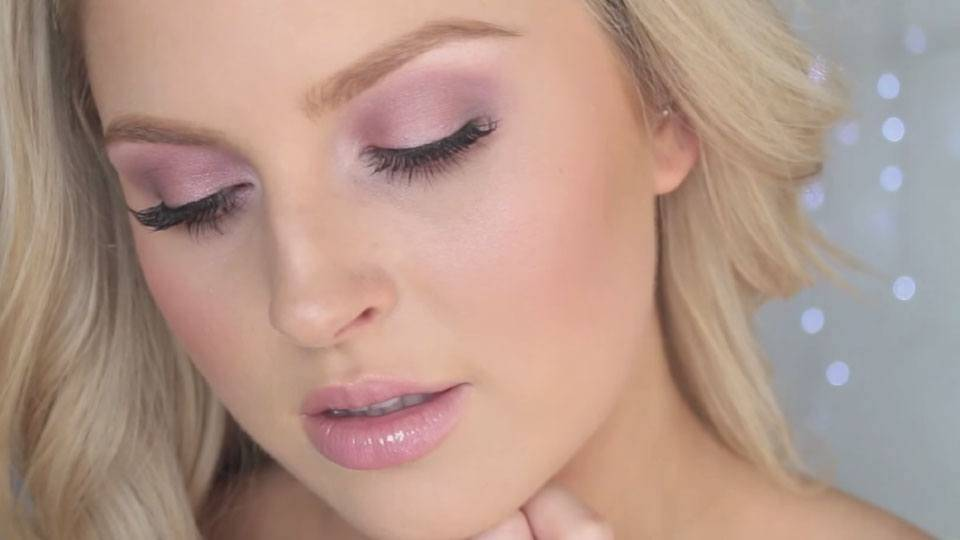 Maybelline-Blushed-Nudes-Eyeshadow-Palette-Video-Still