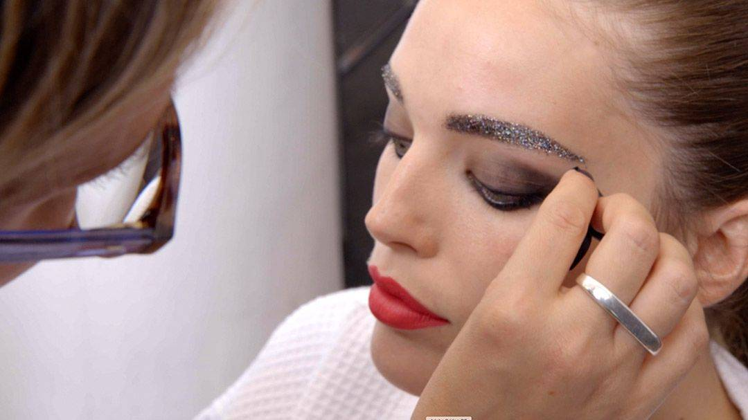 maybelline-nyfw-emily-glitter-brow-tutorial-video-16x9